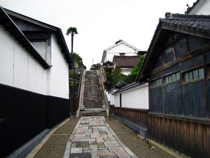 風情漂う路地にある「三浦坂」